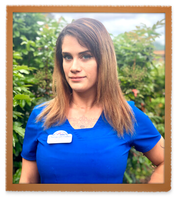 Arielle Mansfield, Veterinary Assistant